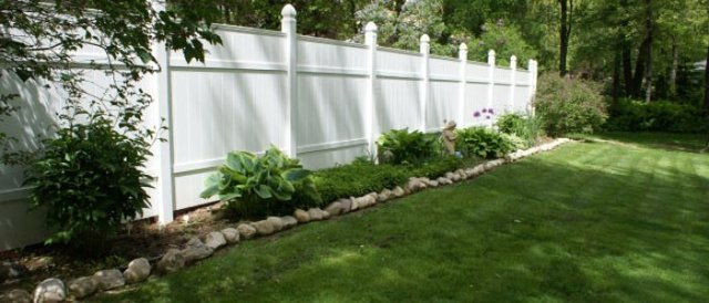 white-fence_design-700x300_c